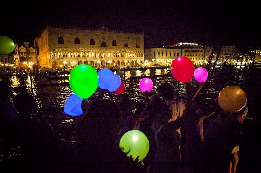 Piazza San Marco di notte vista dal Galeone