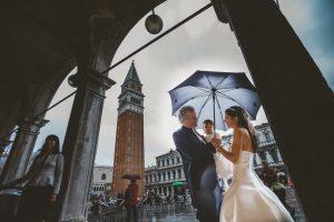 matrimonio pioggia venezia ritratto